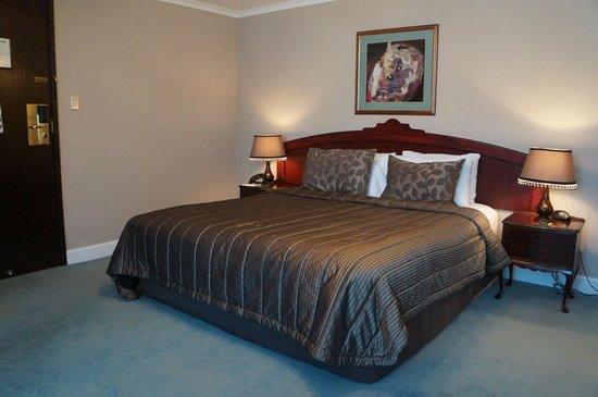 Chateau Tongariro Hotel: Nice character room