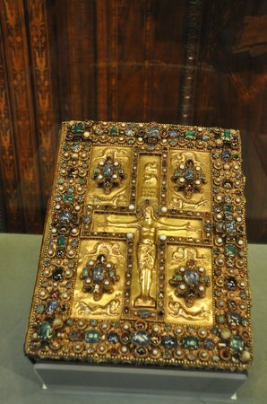 The Morgan Library & Museum: Decorated book