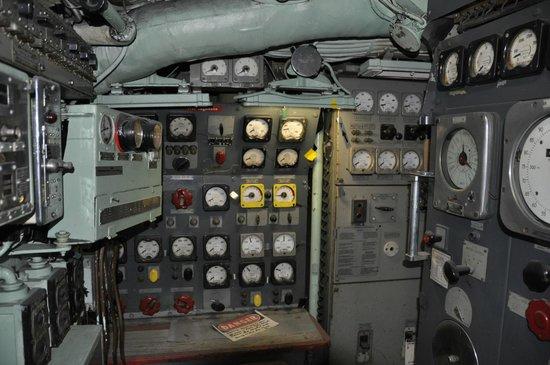 Intrepid Sea, Air & Space Museum: Growler Machinery