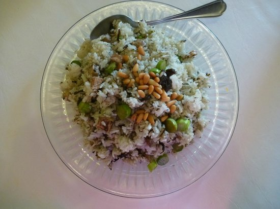 3G Vegetarian Restaurant: Fried Rice with Olive, Pine Seeds and Taro - the only tasty dish we found