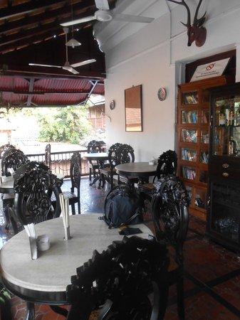 WelcomHeritage Panjim Inn: Veranda
