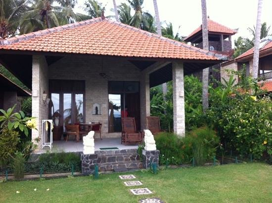 Sea Breeze Candidasa: Villa