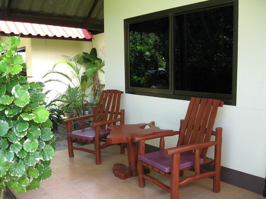 Golden Bay Cottages: Our terrasse