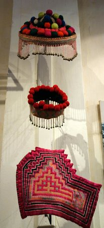 Traditional Arts and Ethnology Centre : Hmong Hats