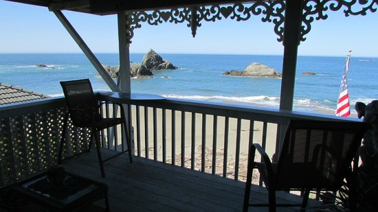 Photo of By The Sea Bed And Breakfast Brookings