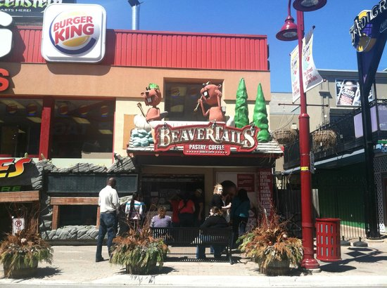 BeaverTails Niagara Falls: Beaver Tails at Clifton Hill