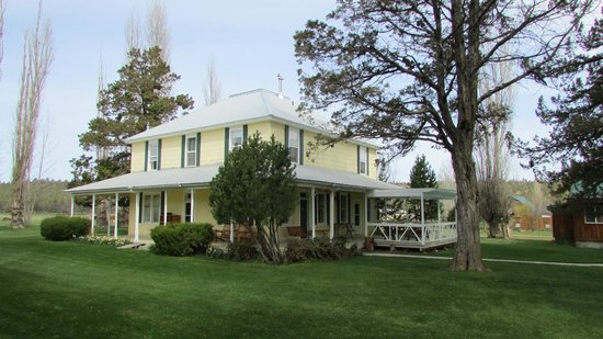 Long Hollow Guest Ranch : Main Guest House