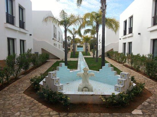 Zahira Resort & Village : area per raggiungere la piscina