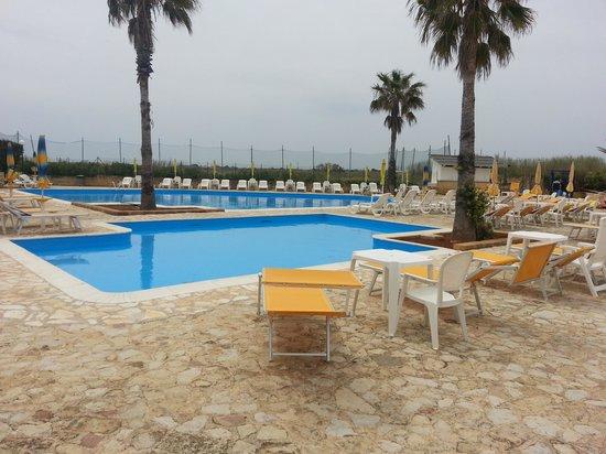 Zahira Resort & Village : piscina