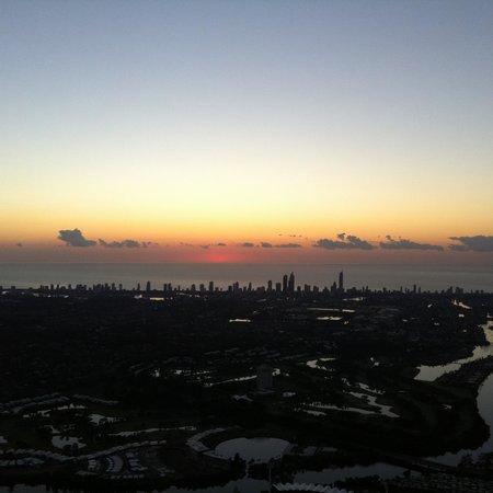 Balloon Aloft Gold Coast: The sun Cracking