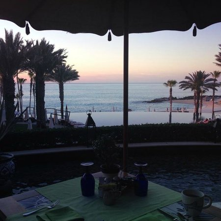 Hilton Los Cabos Beach & Golf Resort: Sunrise view from breakfast