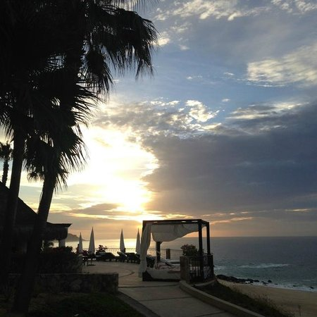 Hilton Los Cabos Beach & Golf Resort: Sunrise!  Best time of day!