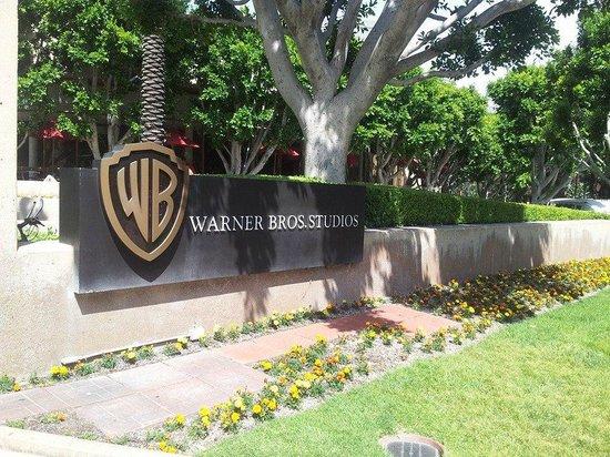 Warner Bros. Studio Tour Hollywood: Front sign