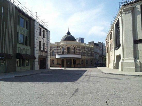 Warner Bros. Studio Tour Hollywood : Movie Set