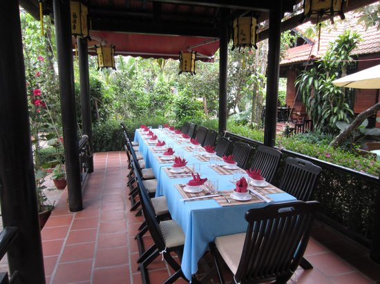 Betel Garden Villas: The setting for family dinner