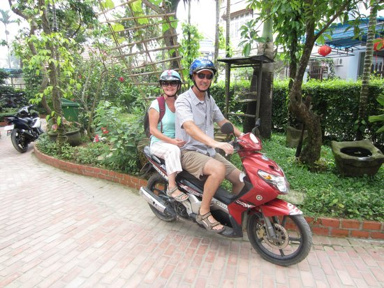 Betel Garden Villas : Off we go on our scooter!