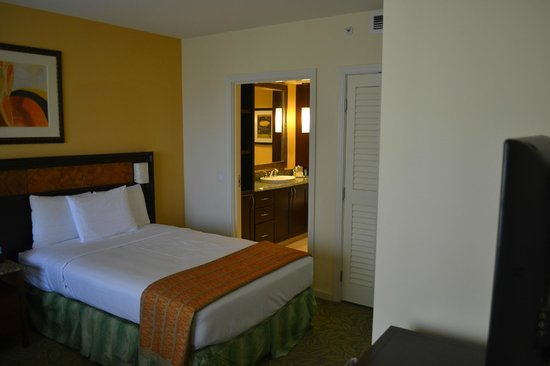 Grand Waikikian by Hilton Grand Vacations: part of the extra room