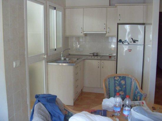 Jade Apartamentos: Küche