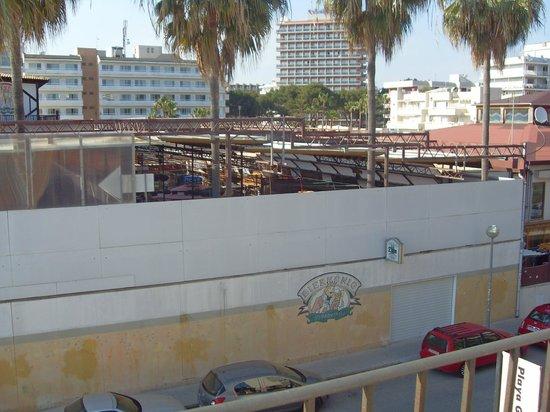 Jade Apartamentos: Sicht vom Balkon,, Bierkönig