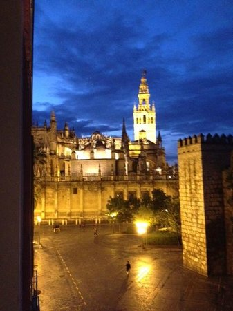 Suites Murillo: This is the view from the third floor room