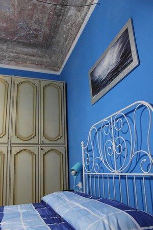 B&B Calcio Storico: Habitación azul (detalle del techo)
