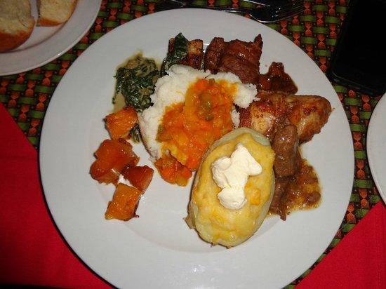 Tanda Tula Safari Camp: Dinner