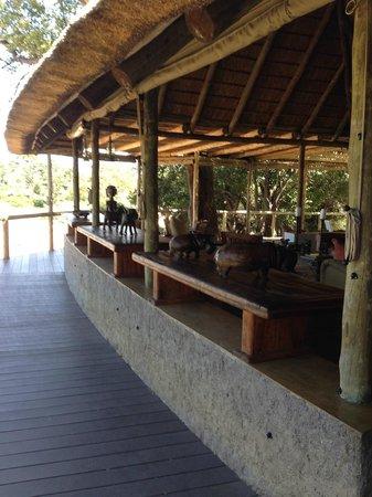 Tanda Tula Safari Camp: Main lobby area