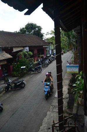 Melting Wok Warung: View
