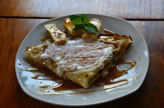 Melting Wok Warung: Chocolate sauce pan cake