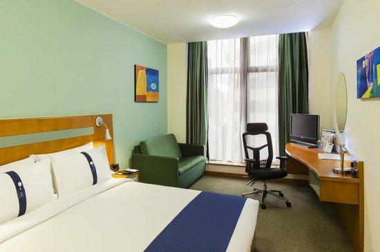 Holiday Inn Express Hong Kong Causeway Bay: Guest Room