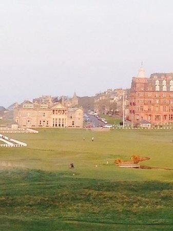 Old Course Hotel, Golf Resort & Spa: Esta vista es mas que el room en si