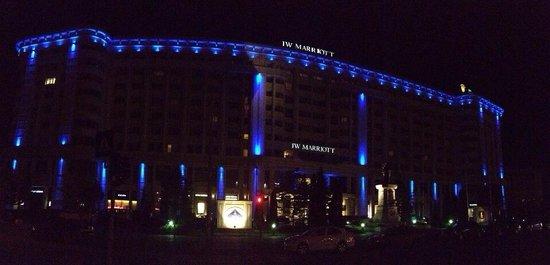 JW Marriott Bucharest Grand Hotel : Outside