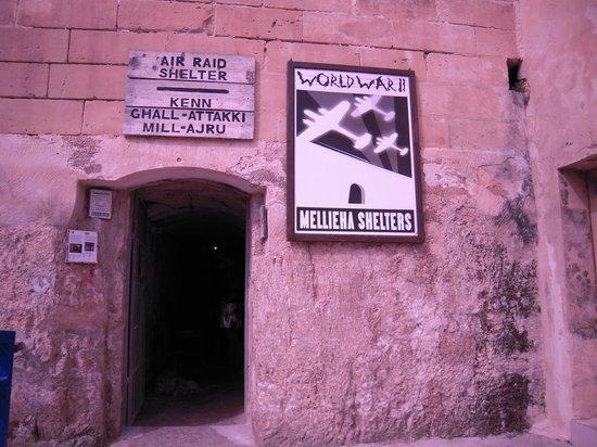 Bunkeranlage Mellieħa: 中に入るとチケットを売っている
