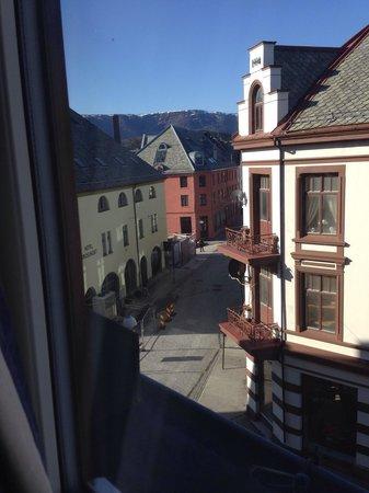 Hotel Brosundet, an Ascend Hotel Collection Member: vista desde la hab. 414