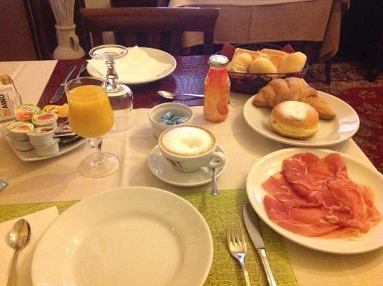 Albergo Ristorante La Bersagliera : super Frühstück!