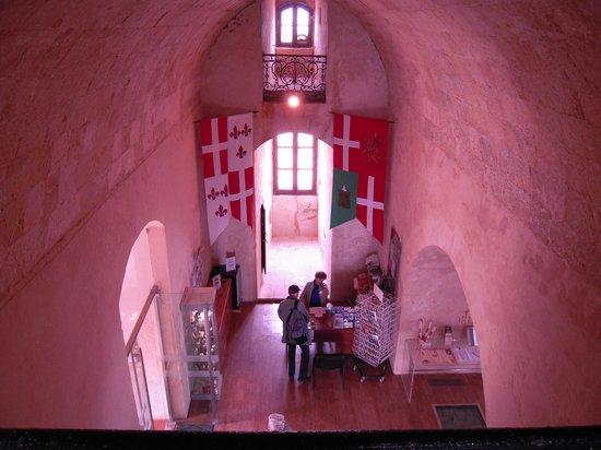 St Agatha's Tower : レッドタワーの中