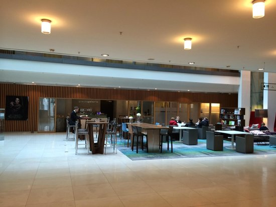 Swissotel Berlin: Lobby