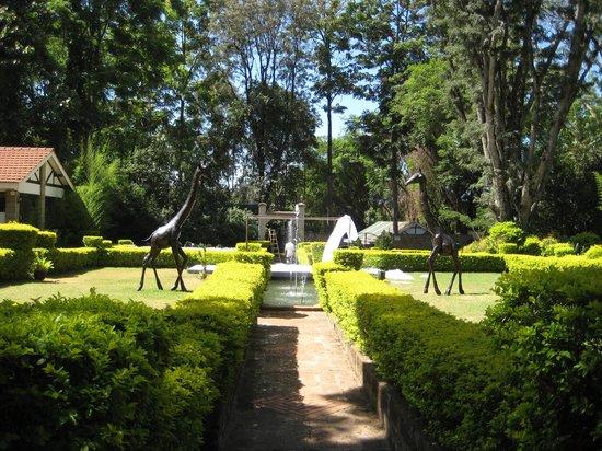 Karen Country Lodge: Stunning gardens