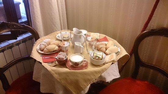 Ca' della Loggia: Breakfast
