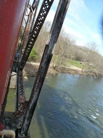 Great Smoky Mountains Railroad: Going over the trussle bridge