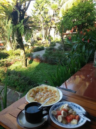 Gusti's Homestay: 1st day breakfast