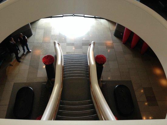 Aviator Hotel: Staircase