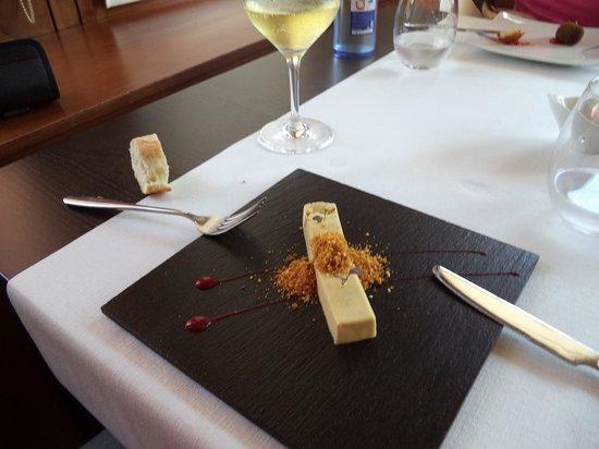 Restaurante Erroak: Lingote de foie con polvo de kikos