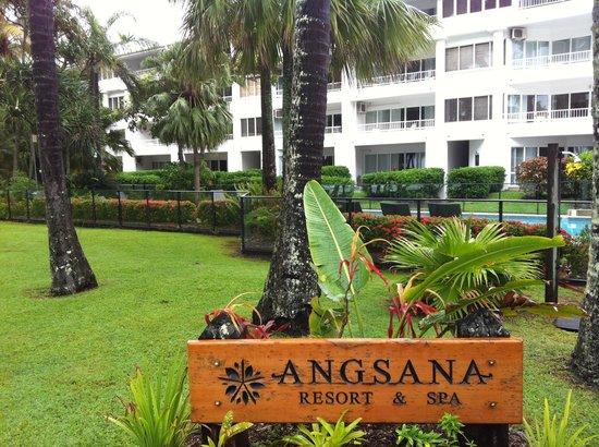 Alamanda Palm Cove by Lancemore: Отель вид спереди