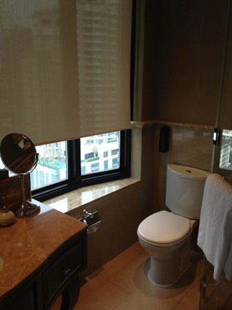 Hotel Muse Bangkok Langsuan - MGallery Collection: Your own window while you're busy