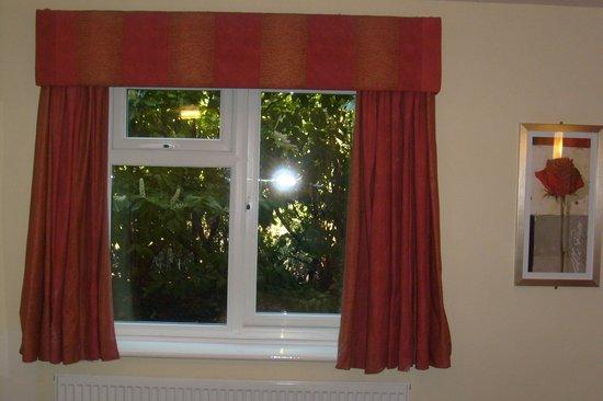 Quality Hotel Coventry: new double glazed window