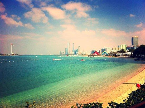 Hilton Abu Dhabi: Vanaf de Hiltonia beach club