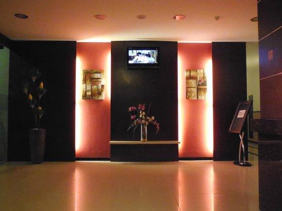 Zahra Syariah Hotel Kendari : ruang tunggu