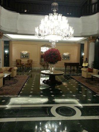 The Oberoi Grand: Lobby