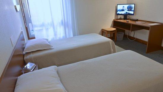 Le Relais des Trois Marchands: Une chambre à deux lits simples